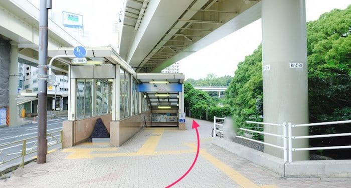 赤坂見附駅脇道