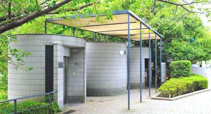 平川交差点近くのトイレ