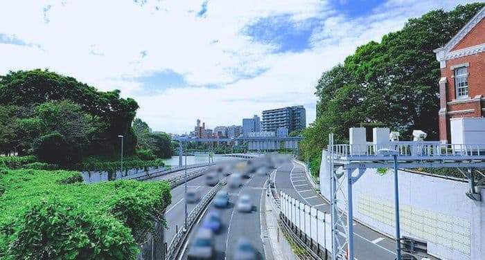 歩道橋からの首都高速