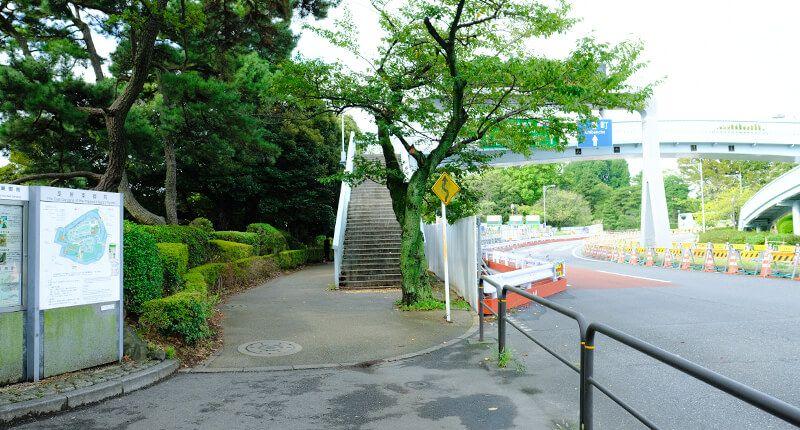 7.8kmの皇居ランニングコースガイド 代官町歩道橋
