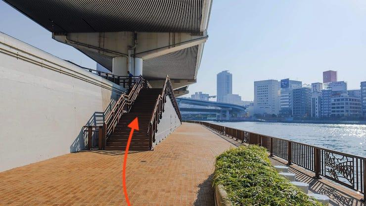 両国橋のへ階段